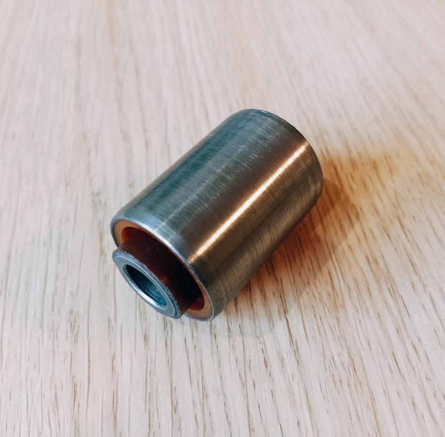 Сайлентблок заднего поперечного нижнего рычага внутренний полиуретан, код детали: 1502729, MZAB-065